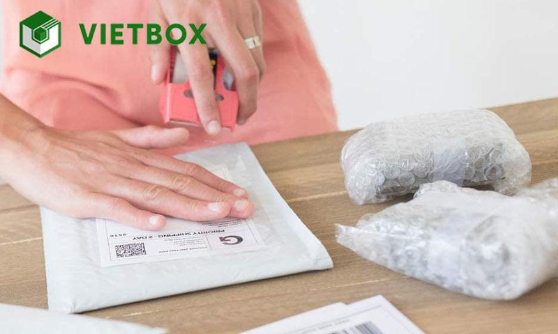 Cuộn xốp bọc hàng giúp đóng hàng online